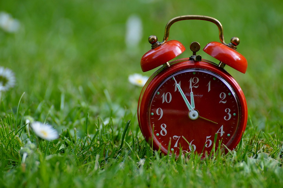 Time is an important factor when considering hiring movers vs DIY move.