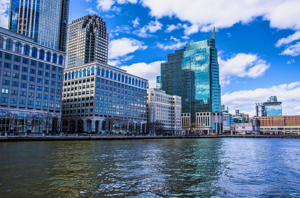 Hire an real estate agent if you are planning to find an apartment in Jersey City!