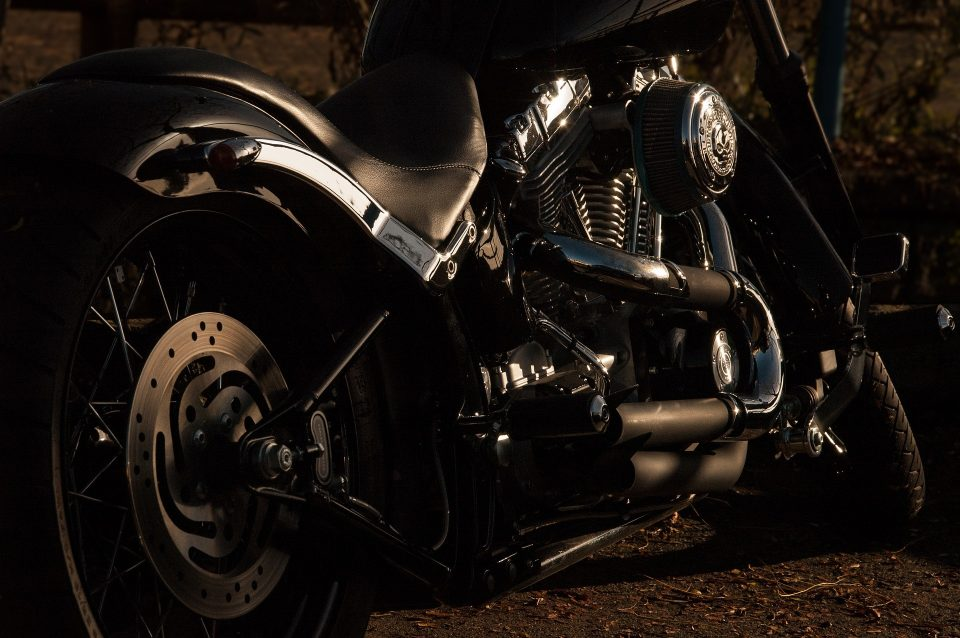 Transport a motorcycle without problem! Get the right equipment and extra pair of hands!