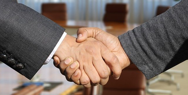 Handshake - Stratford movers are reliable and trustworthy
