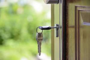 Key in the door - Moonachie movers will get you to your new home in no time