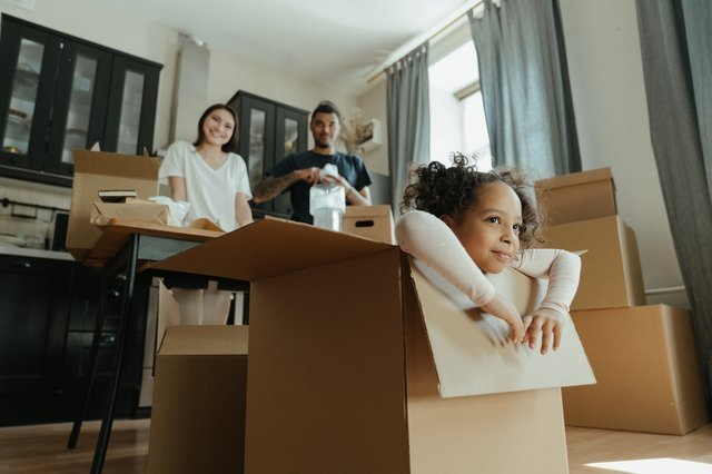A family after one of the moving companies Newark NJ has left