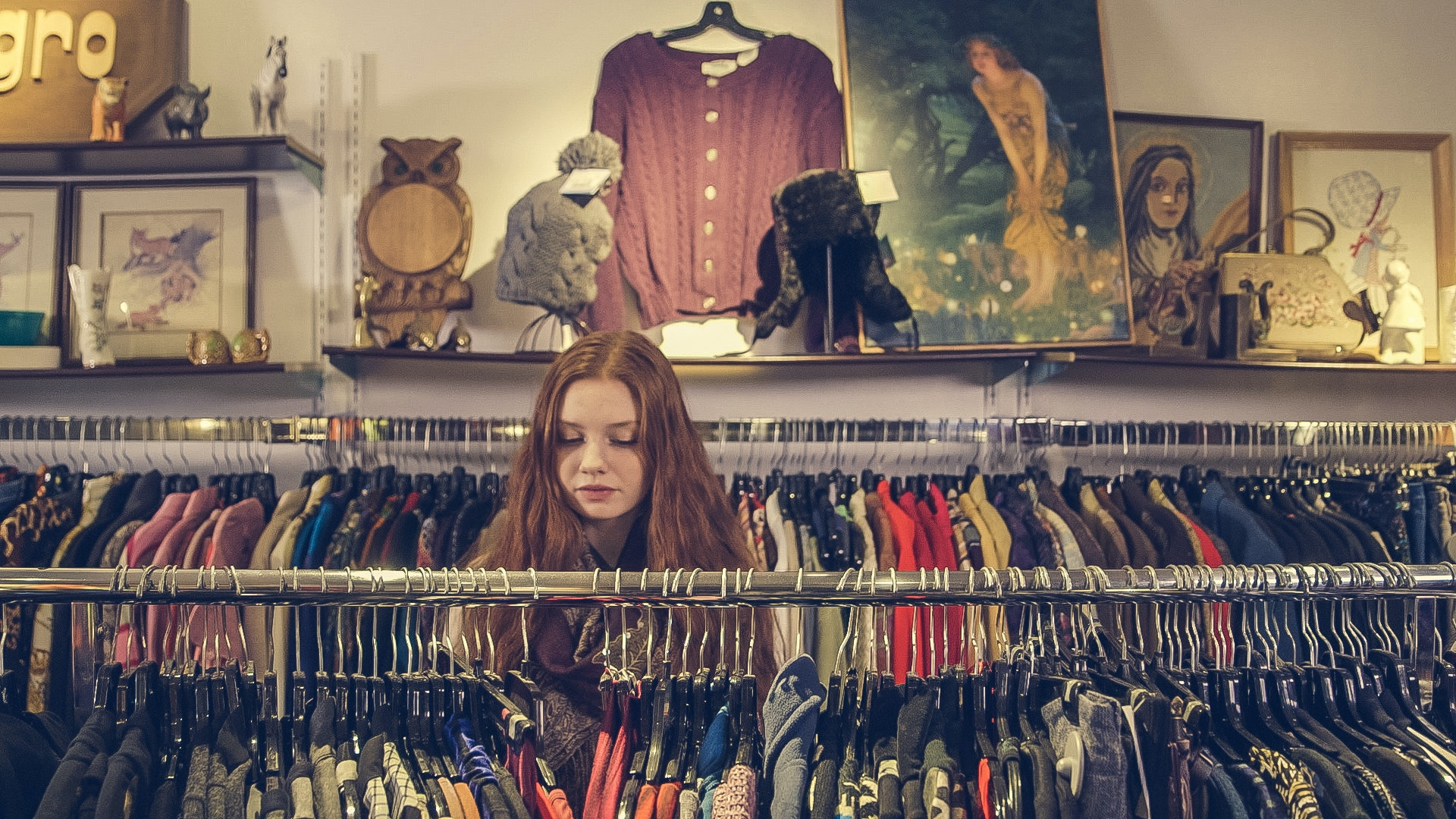 declutter your home before you move by selling your belongings to a second-hand shop