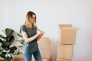 pack for a move in a weekend easily by making a to-do list first thing in the morning