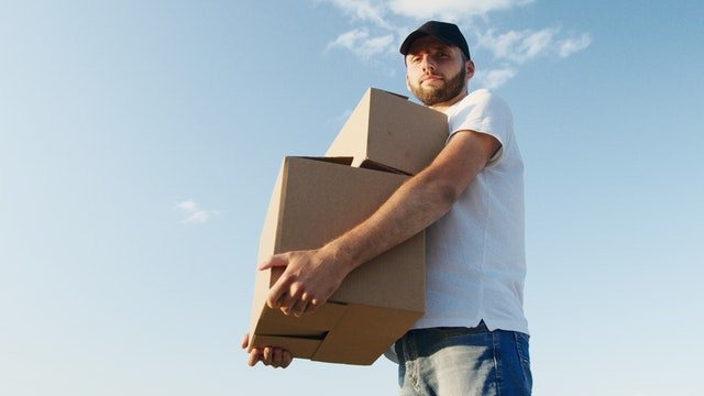 Let movers pack your glassware for relocation to Newark, NJ
